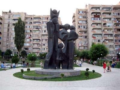 Продается 3-х этажный особняк.пос.Ариндж в г. Ереван